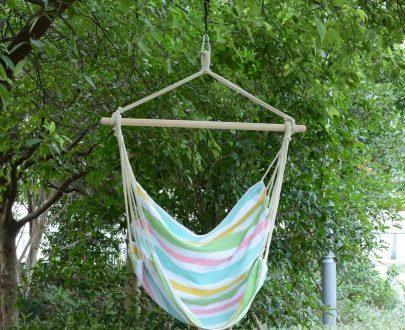 Outsunny Hanging Swing Chair-Multi-colour stripes, white rope 5056029890424