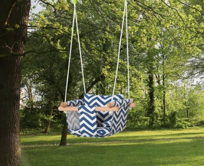 Outsunny Baby Swing Canvas Seat, Folding Secure Hanging Hammock Chair Indoor Outdoor with Cotton Cushion Pillow and Wooden Frame, Blue and White 5056399145995